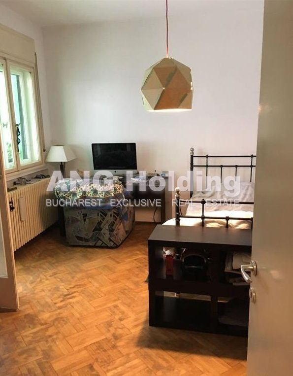 Apartament 5 camere Universitate SUPER PRET