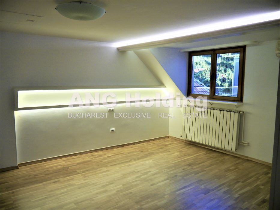 Apartament 3 camere in Vila